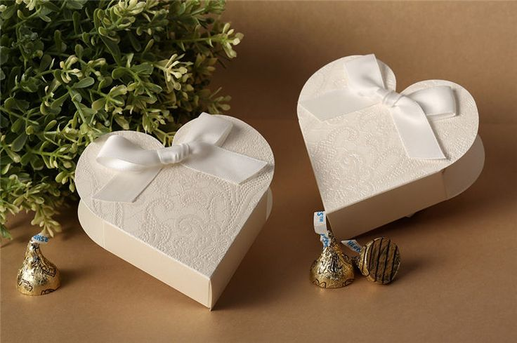 10PCs Heart Shaped Wedding Candy Boxes With Ribbon Gift Boxes Wedding Favors