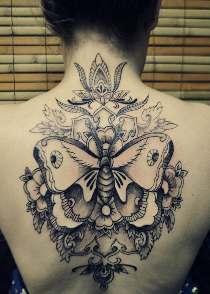 246 best images about bug tattoos on pinterest dragonfly tattoo design moth tattoo and - Dessin tatouage femme ...