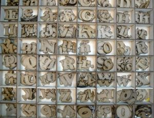 Wood Letters and Numbers for crafts - Letras y numeros para manualidades y artesiano.