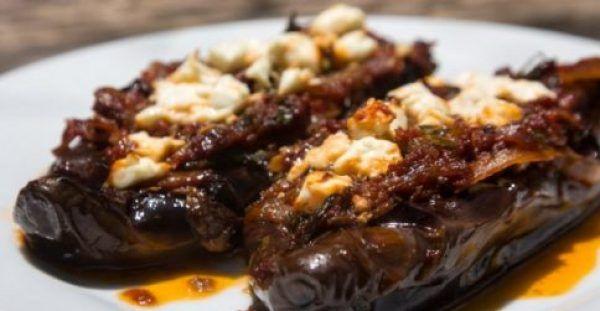 """Ιμάμ Μπαϊλντί… Το πιο καλοκαιρινό """"λαδερό"""" της παραδοσιακής κουζίνας μας. Μια υπέροχη, Σμυρνέικη συνταγή για ένα πεντανόστιμο πιάτο, μεσογειακό και εξόχως"""