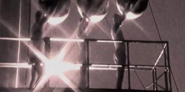 Snap! - Rhythm is a dancer http://www.ilfragolone.org/febbre-a-novanta-14/