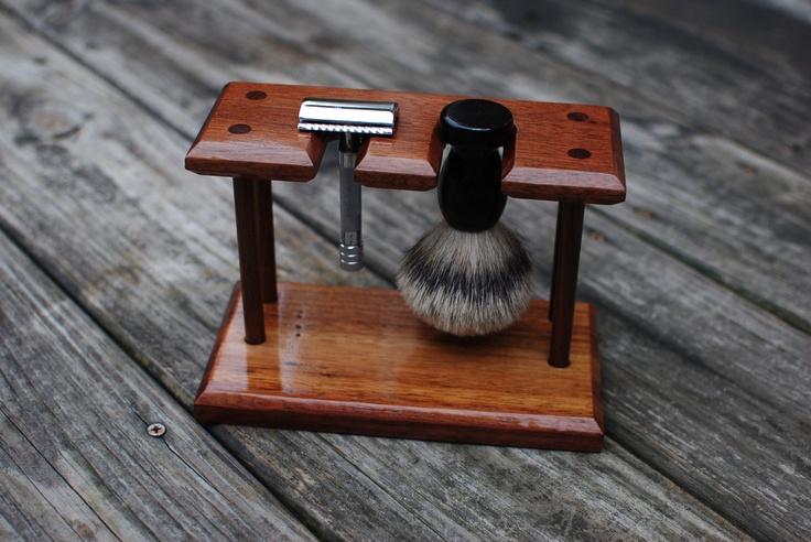 Shaving Stand For De Safety Razor And Badger Brush