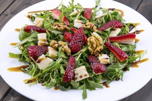 Gerichte zum Abnehmen: Erdbeere mit Rucola