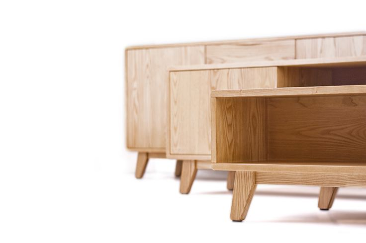 The Arco range is designed and manufactured in New Zealand.  Crafted from solid American White Ash and finished in a durable lacquer to give years of functional beauty. White Ash is a beautifully grained hardwood that is grown on the East Coast of the United States. Appreciated for its density stability and attractive grain, White Ash is ideal for furniture construction and suited to both classic and contemporary styles.  #newzealandmade #hunterfurniture #coffeetable #furniturehunters