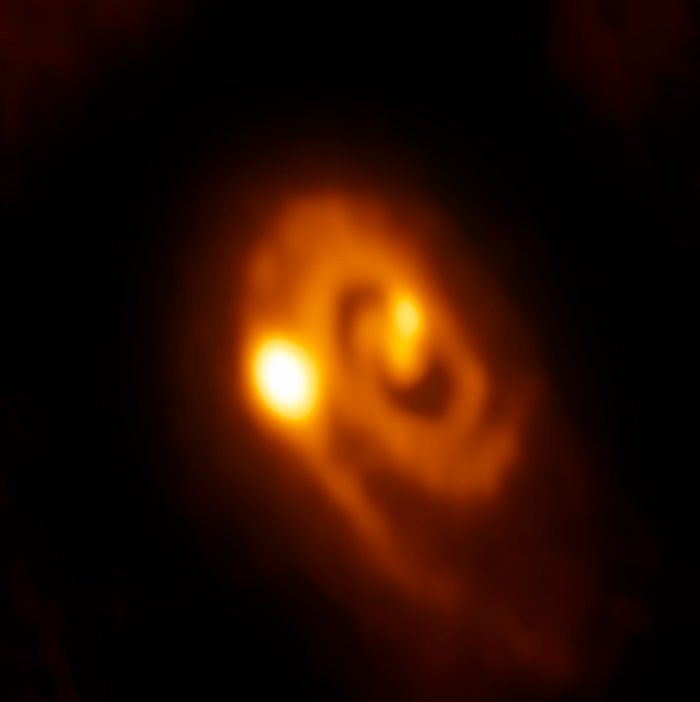 Young Stellar System Caught in the Act of Forming Close Multiples – For the first time, astronomers have seen a dusty disc of material around a young star fragmenting into a multiple star system. More information: https://www.eso.org/public/images/potw1644a/ Credit: ALMA (ESO/NAOJ/NRAO)/J.J. Tobin (University of Oklahoma/Leiden University)