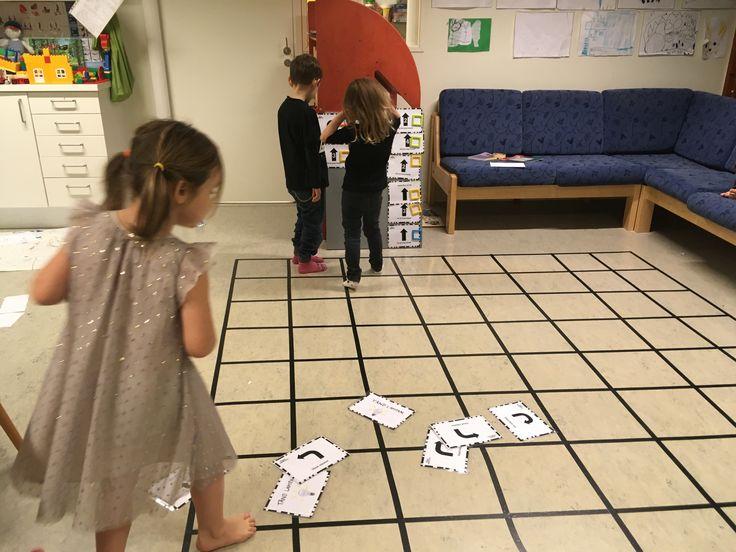Nedan är ett inlägg från lärlabbaren Amanda Edin som precis börjat plugga på förskollärarutbildningen. Hon beskriverhur hon har jobbat med programmering i förskolan och hur hon och barnen tagit intryck av URs program Programmera Mera. Det började med bluebots… I barngruppen jag arbetat i har jag sett ett stort intresse för programmering. Tidigare har vi …