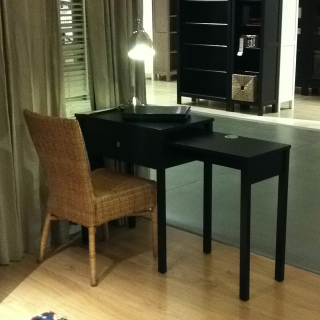 25 best images about ikea exploits on pinterest chair for Ikea table noire