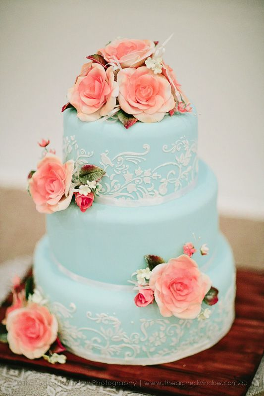 beautiful cake perfect in style for a country wedding