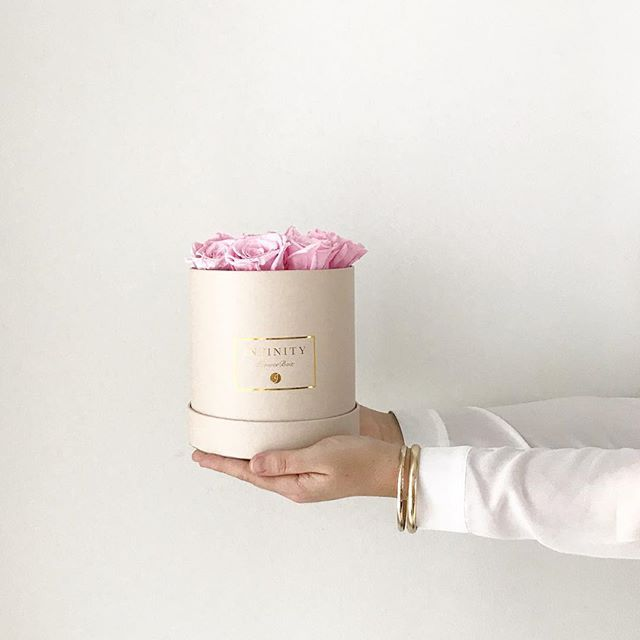Infinity Flower Collection // www.infinityflowercollection.com   #infinityflowercollection #infinityrose #infinityrosebox #infinityflower #infinityflowerbox #luxuryrose