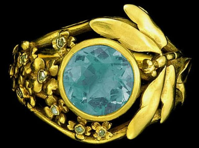 Lucien Gaillard, Art Nouveau Dragonfly Ring, Gold, aquamarine & diamond, circa 1900