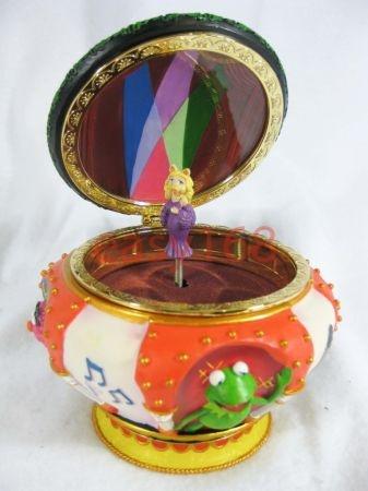 Brand New Disney Miss Piggy Muppets Magical Music Jewelry Box $50
