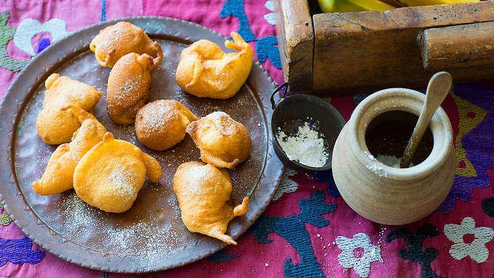 Banana fritters (buñuelos de banana) recipe : SBS Food
