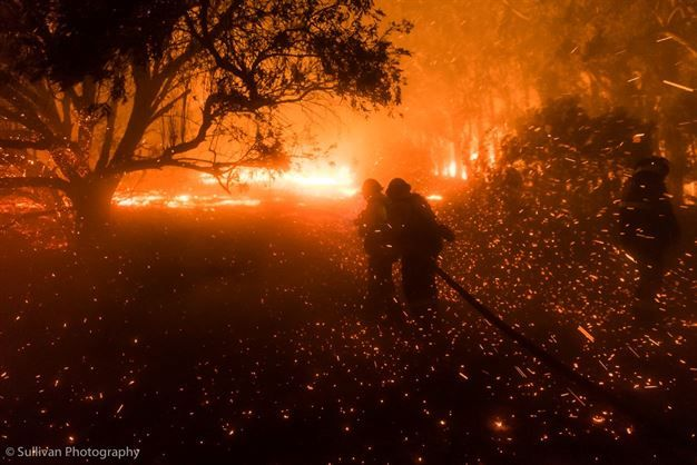 GALLERY: Strong winds fuel Cape Town inferno | News24 :-(
