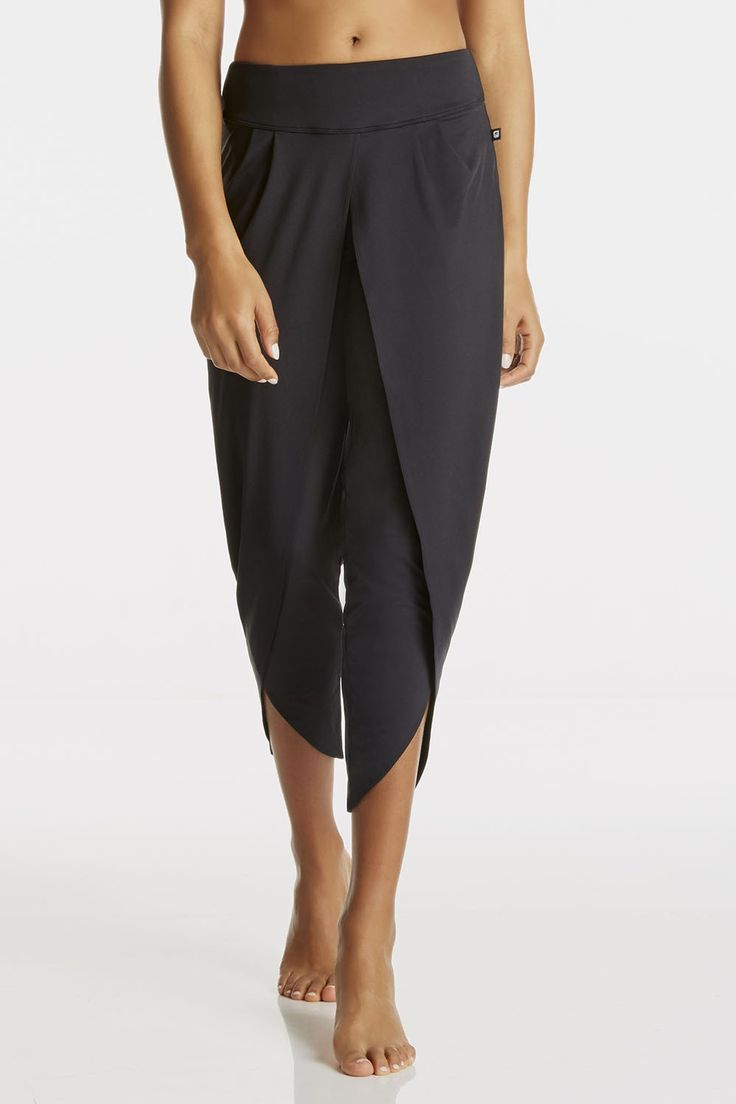Fabletics pants strato ankle pant womens black pleated