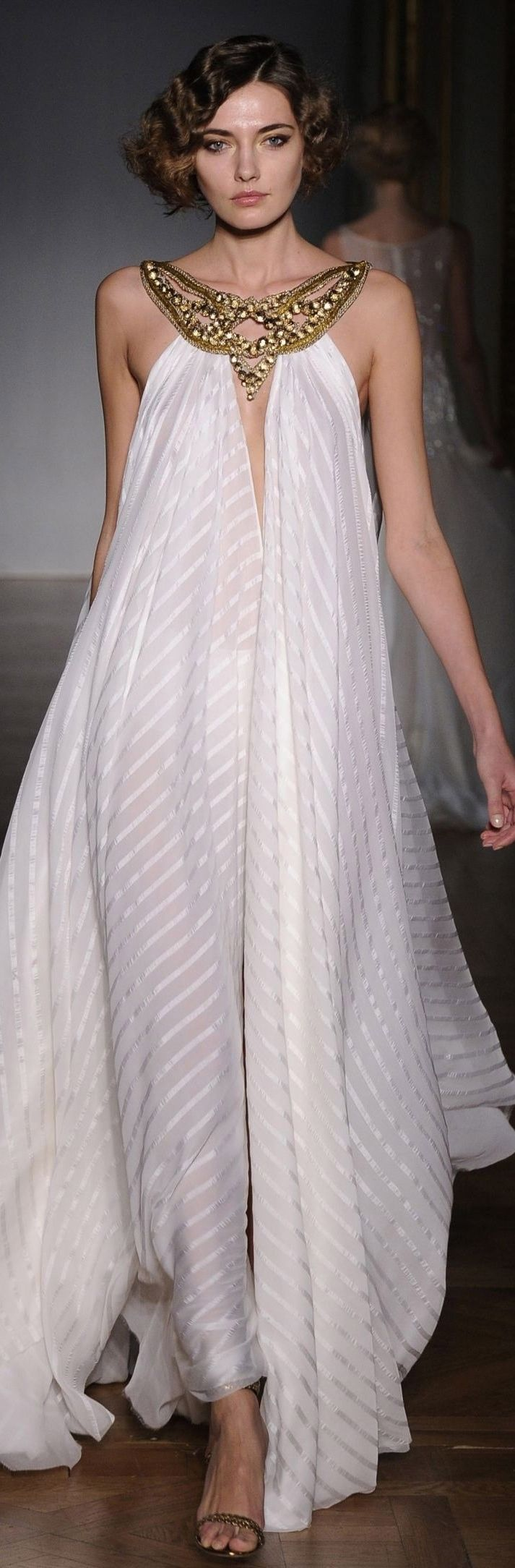 Egyptian inspired modern day style - I Like The Simplicity Of This Dress And The Flowing Material Dilek Hanif Couture Egyptian Style White Maxi Dress W Gold Neckline Embellishment 2011
