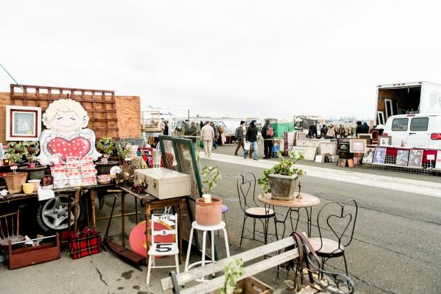 Thinking of signing up for a flea market, vintage show, or antique mall booth? Read these crucial tips first.