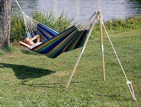 Cómo elegir una hamaca bonita y cómoda para el jardín http://hamacas.info/que-hamaca-elegir/ descansa con estilo