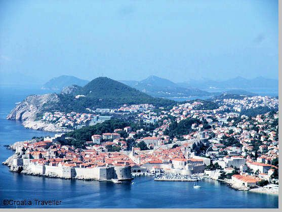 Visiting Dubrovnik including a Dubrovnik travel planner with information on where to stay, what to see & do, transport, eating, drinking, day trips and tourist information.