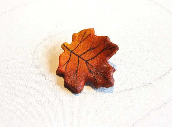 Leaf brooch hand painted Eco friendly jewelry Fall Fashion trends by Sognoametista