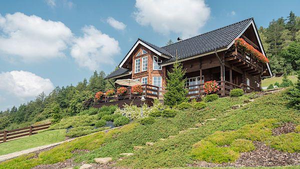Dřevostavba vybudovaná podle finského stylu vyrostla v podhůří českých Beskyd.