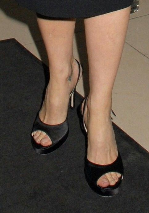 Gillian Anderson | Celebrity feet and toes | Gillian,erson ...