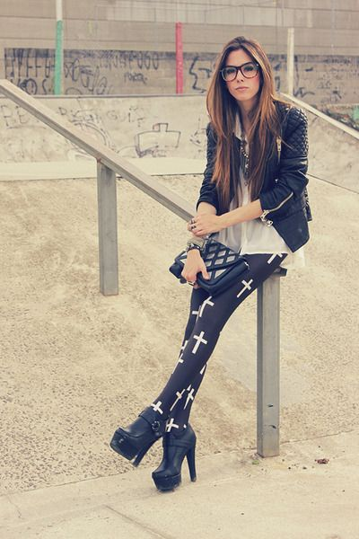 Black-minusey-jacket-black-labellamafia-leggings_400