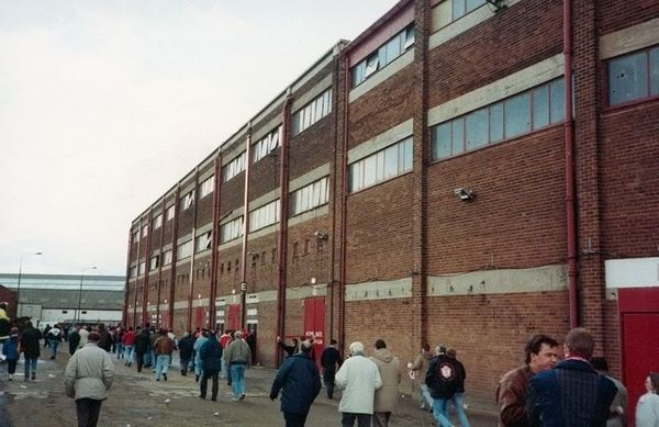 Old Trafford pre development. This is the Stretford End.