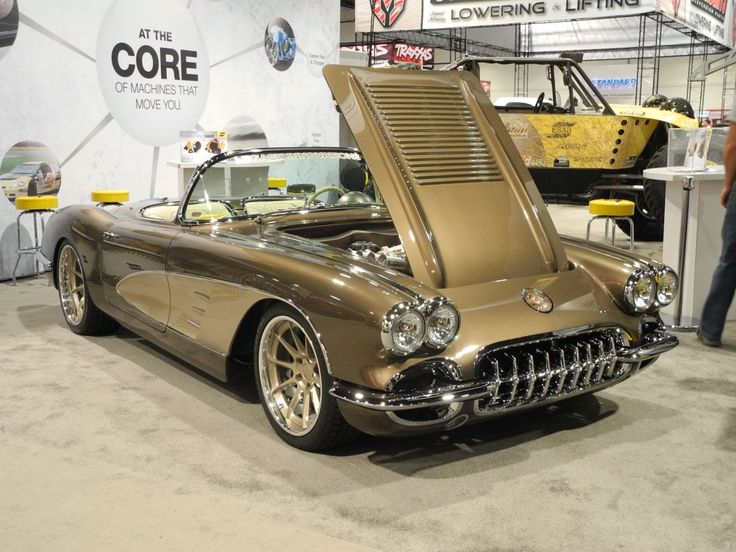 We've seen a lot of great cars on Forgeline wheels at SEMA. But this Legacy Innovations C1 Corvette on Forgeline RB3C Concave wheels is simply amazing!