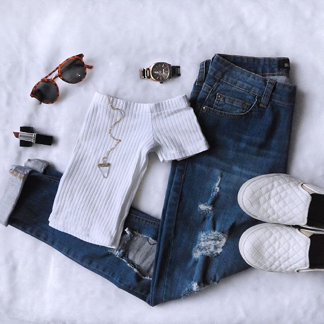 #look #lookdodia #love #loveit #tenisbranco #tenis #relogio #oculos #jeans…