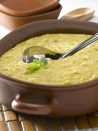 Invita a 7 personas a probar unos deliciosos Porotos Granados con Mazamorra, solo te tomará 50 minutos cocinarlos.