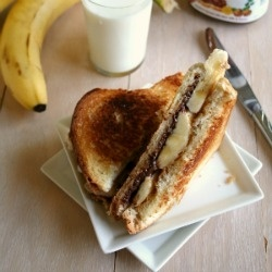 Grilled Chocolate PB Sandwich recipe