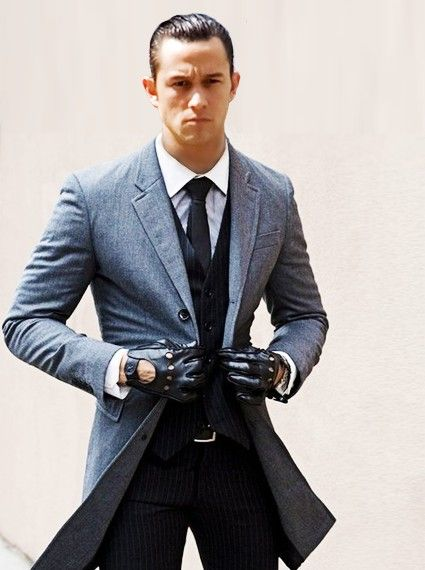Joseph Gordon-Levitt...in a jacket that's a little too small on him. Seriously, he can't button it :(