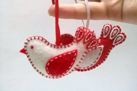 Décorations de Noël - rouges en feutrine et ornement oiseau blanc, laine mélangée feutrine, décoration de la Saint Valentin - 1 ornement / choix de couleur