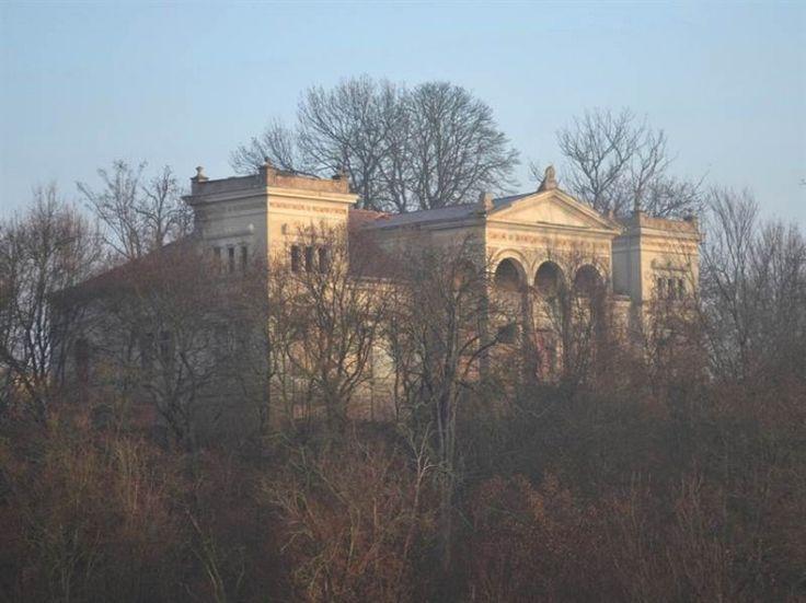 Netradičné kaštiele na strednom Slovensku, ktoré stoja za pozornosť – SódOpatova