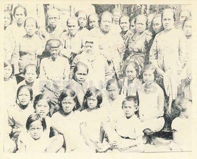 Info Berita Baru Terbaik: Gambar  Ibu Dewi Sartika guru kaum Ibu Sunda dan K...