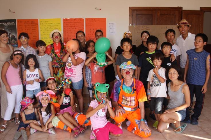 Bambini educatori riuniti a casa Ortodeisogni