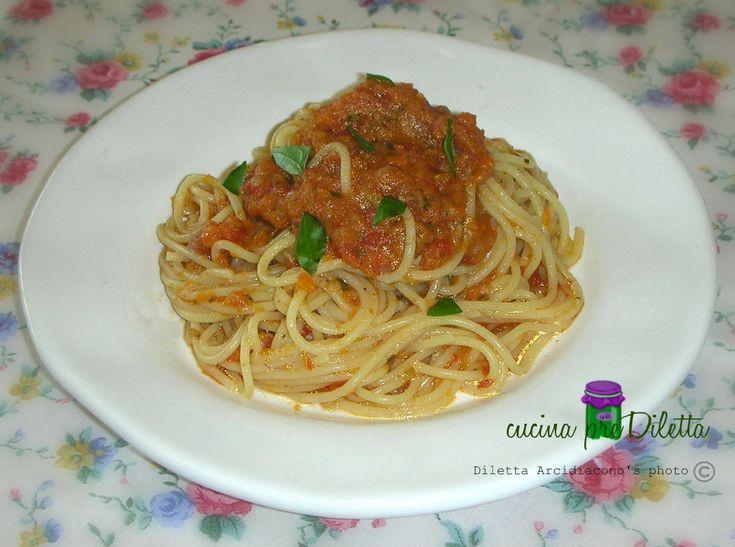 Spaghetti con sugo di verdure