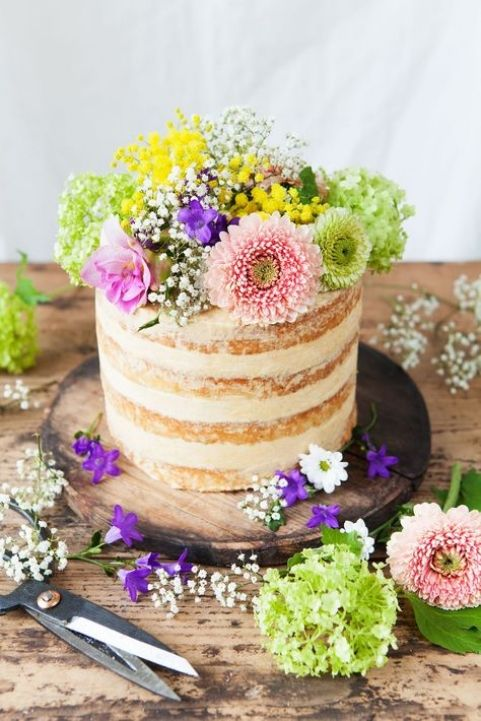 Bohemian Cakes / See more inspiration on The LANE (instagram @the_lane)
