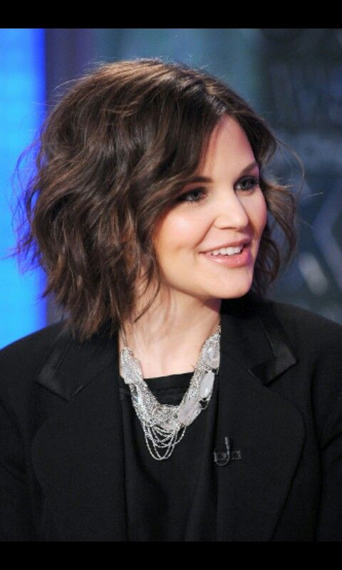 Ginnifer Goodwin hair... I could totally pull this off I think