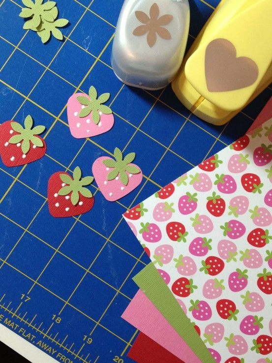 Heart punch + flower punch = strawberry: Paper Strawberries, Heart Punch, Flowers Punch, Cute Ideas, Crafts Punch, Paper Punch, Card, Punch Art, Strawberries Fields