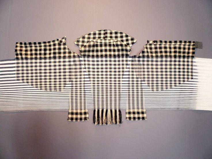 Cnaani Gali: Karierte Jacke 2013, Wolle, Baumwolle, Nylon, 180 x 80 cm Ausstellung 'Textile Erinnerungen / Remembering Textiles' Foto: Ursula Brenner