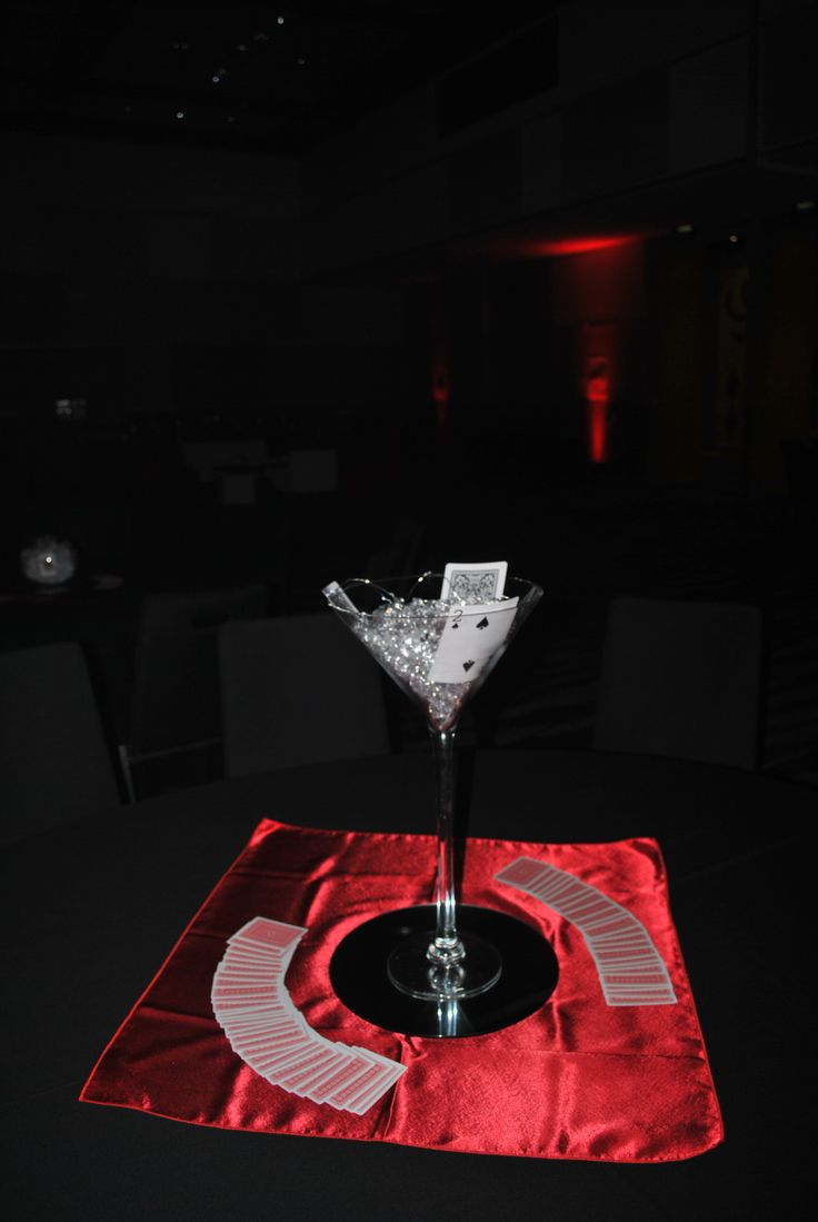 A perfect touch on your tables for a Las Vegas themed party #event #casino #lasvegas #party #decor