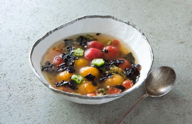 料理家・山脇りこさんの心と体にじんわり効くレシピ。昆布だしと海苔の精進スープ 「colocal コロカル」ローカルを学ぶ・暮らす・旅する