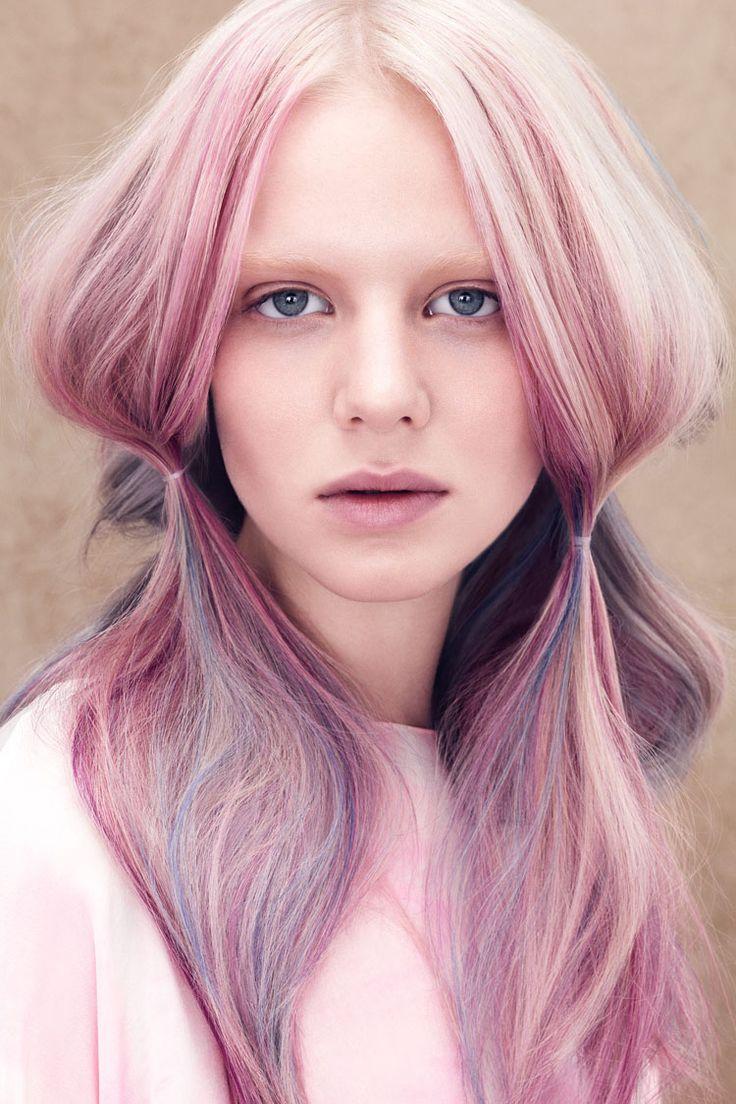 Pastelowe włosy EXAMPLE.PL