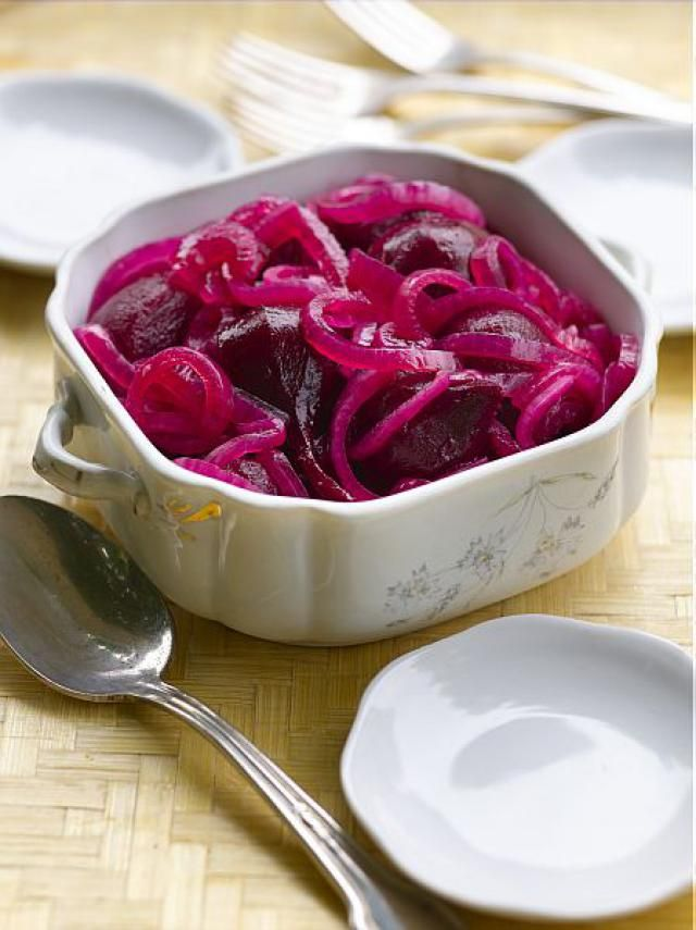 15 Eastern European Beet Recipes You Will Love: Pickled Beets and Onions Recipe