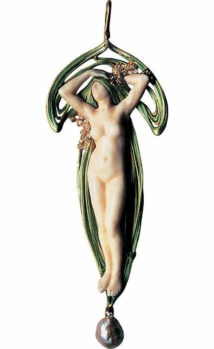 Les Arts Décoratifs - Site officiel - Art nouveau - Paul et Henri Vever. Pendentif Le Réveil, 1900