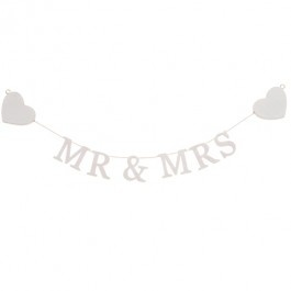 Mr & Mrs Wooden Heart Garland £3.50