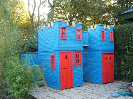 Play castle with storage shed playhouses speelhuisjes for Storage shed playhouse combo plans