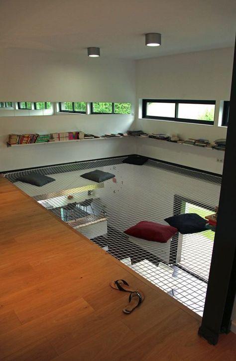 Filet d'habitation : une mezzanine en lévitation …