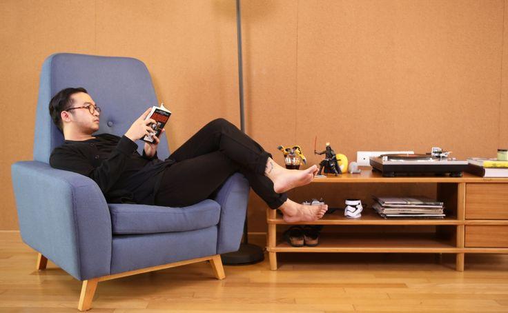 Giselle Wingchair, tidak perlu alasan untuk memiliki Giselle Wingchair Sofa di hunian. Pilihan warna juga tingkat kenyamanannya akan membuat Anda lebih ingin memilikinya.